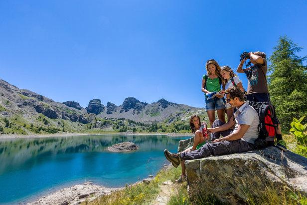 Fraicheur au bord du lac d'Allos à 2226 m d'altitude, au coeur du Parc National du Mercantour