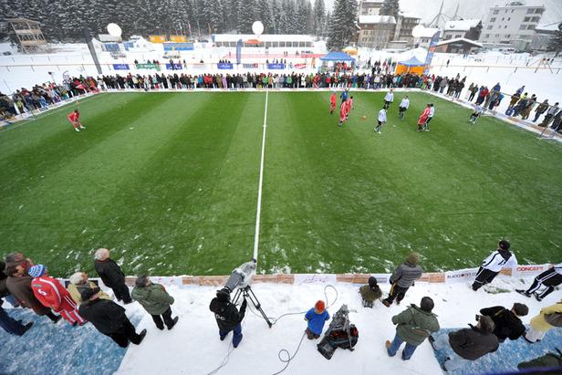 Live in Graubünden: Deutschland am Arosa IceSnowFootball