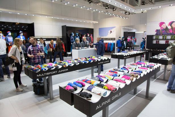 Klettergurt Fibel : Ziener mit neuer activewear kollektion für 17 18