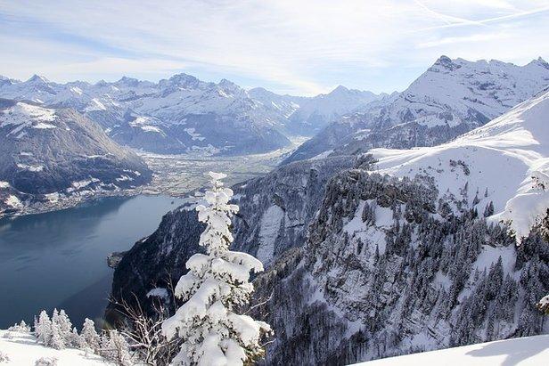 Der Vierwaldstättersee ist auch im Winter ein beliebtes Ausflugsziel.  - © Quelle: rivella (CC0-Lizenz)/ pixabay.com)