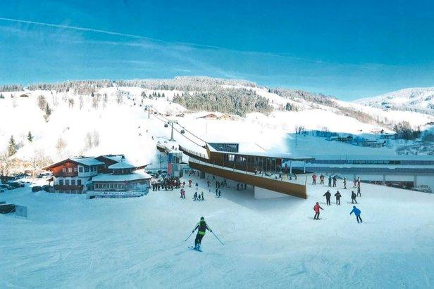 Ab der Wintersaison 2018/19 heißt es in Maria Alm: Vom Dorfplatz direkt auf die Piste und direkt verbunden mit dem Aberg  - © Hochkönig