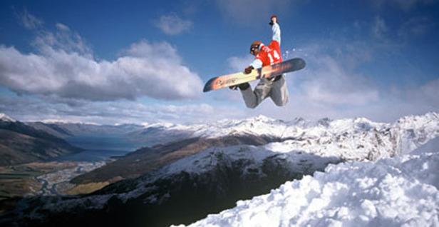 Wanaka-snowboard_2set