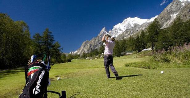 Viaggio in Val d'Aosta con sacca da golf (e sci)