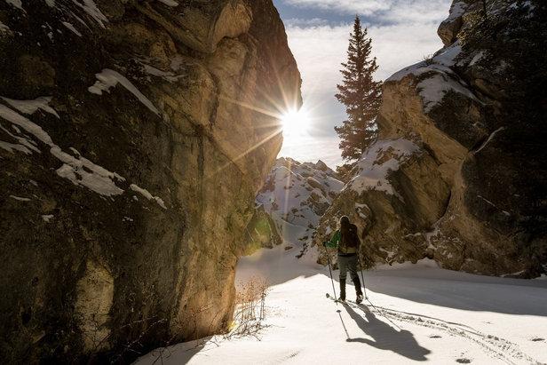 Es gibt viele Nutzergruppen, die von den Vorzügen eines Skirucksacks profitieren.  - © pixabay.com © skeeze (CC0 Public Domain)