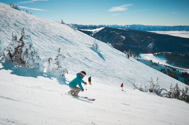 Carving up the slopes at Grand Targhee Resort.  - © VisitJacksonHole