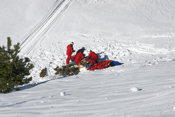 Schwere Ski-Unfälle: 17-Jähriger stürzt sieben Meter aus Sessellift, 50-Jähriger stirbt in Sölden- ©Pictures news, fotolia.com
