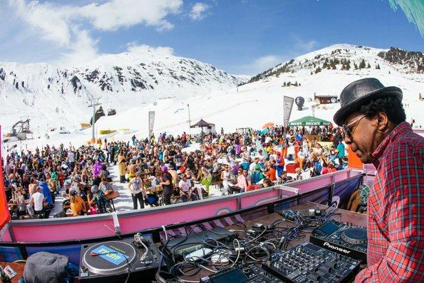 En hiver, les pistes de ski se tranforment en dancefloor à l'occasion des festivals de musique