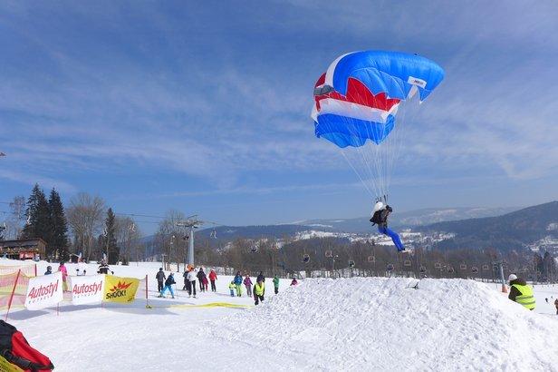 Bubákov: Mistrovství světa v Paraski - ©www.paraski.cz