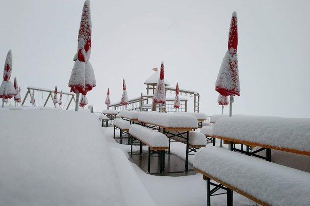 Saisonstart: Pitztaler Gletscher startet den Skibetrieb, Sölden und Stubaier Gletscher in WartestellungFacebook Stubaier Gletscher