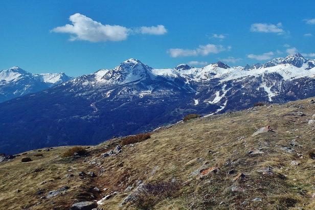 La rando-yoga pour conjuguer les plaisir de la randonnée en montagne et le bien-être du yoga  - © Sandra Fanfani