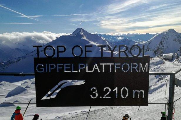 Platforma TOP OF TYROL na lodowcu Stubai na wysokości 3210 m n.p.m. - 1.12.2018  - © Tomasz Wojciechowski
