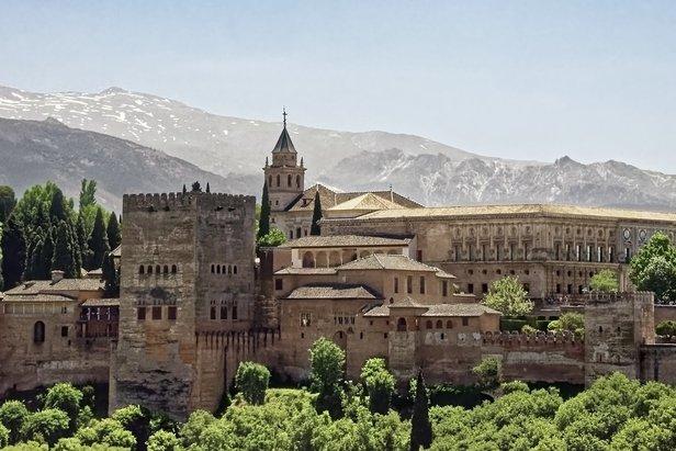 L'Alhambra de Grenade, un lieu gorgé d'histoire et de culture. Un incontournable !