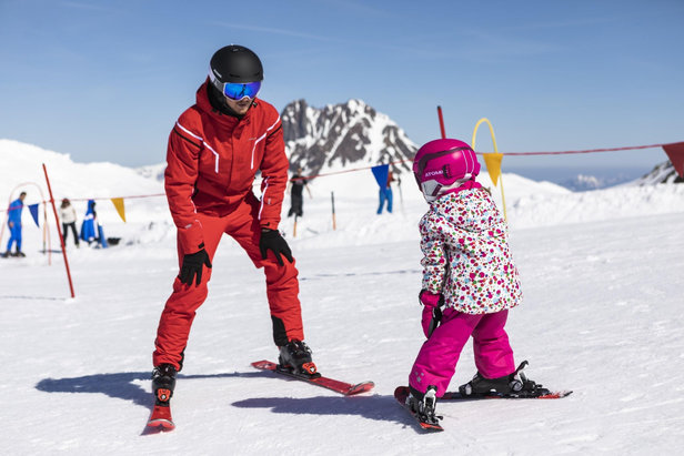 Most kids start skiing at the age of 3 or 4 years  - © CheckYeti/Roland Haschka