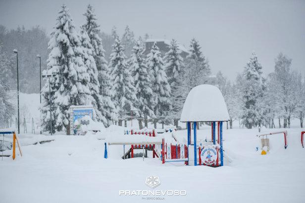 Kde sa tento víkend začína lyžovať? ©Prato Nevoso Ski Facebook