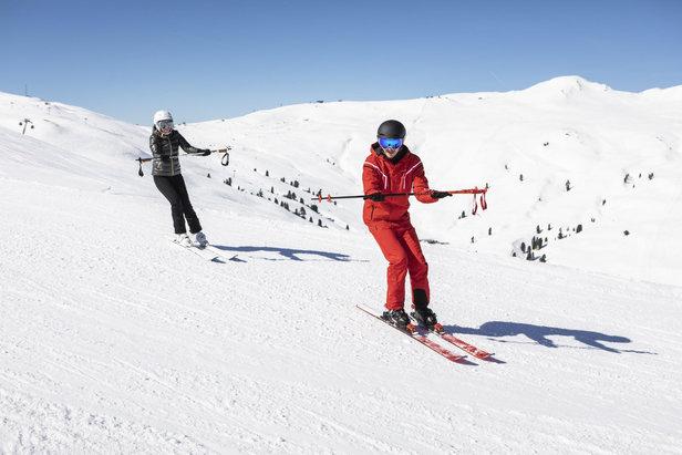 Skiers at all levels profit from ski lessons  - © CheckYeti/Roland Haschka