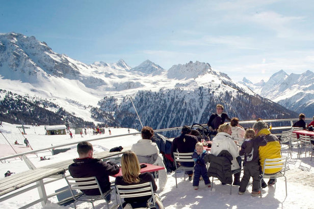 Osem zaručených tipov, kam v apríli na lyže- ©OT Sierre-Anniviers