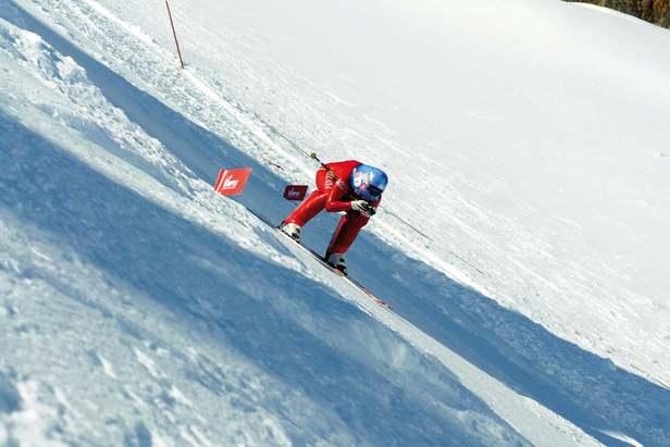 Karine Dubouchet Revol à la côte 220km/h sur la piste de ski de vitesse de Vars