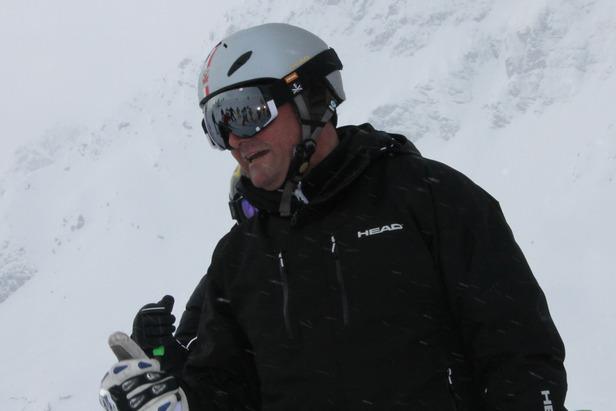 Der Weiße Ring: Weiße mit Schuss beim legendären Skirennen in Lech Zürs- ©Henning Heilmann