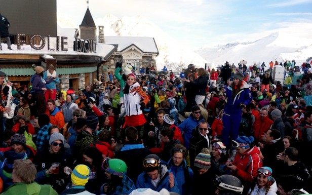 La Folie Douce : ambiance clubbing au milieu des pistes de ski...