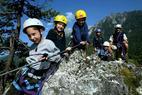 Mit Kindern am Klettersteig? Empfehlungen des Alpenvereins für das Begehen von versicherten Steigen - ©Ramsau am Dachstein