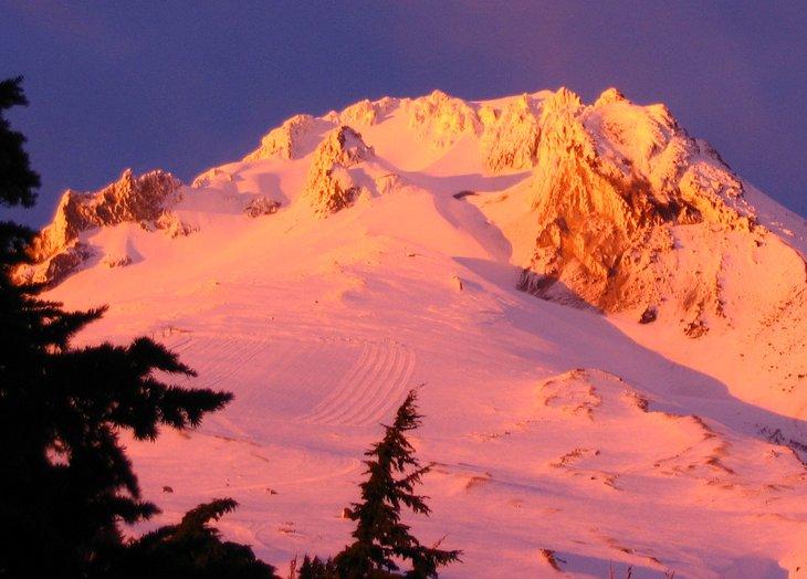 Letní lyžařské středisko Timberline Lodge, Oregon, USA