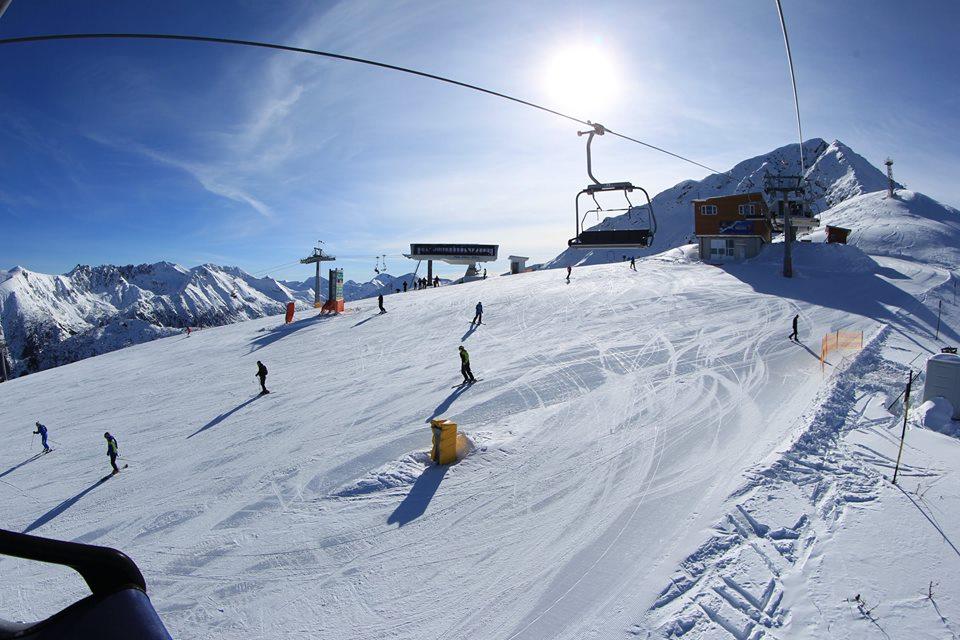 Rýchlo rastúce a veľmi moderné bulharské lyžiarske stredisko Bansko