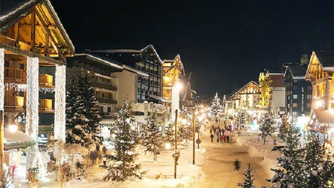 Vianočná atmosféra vo francúzskom Val d'Isere