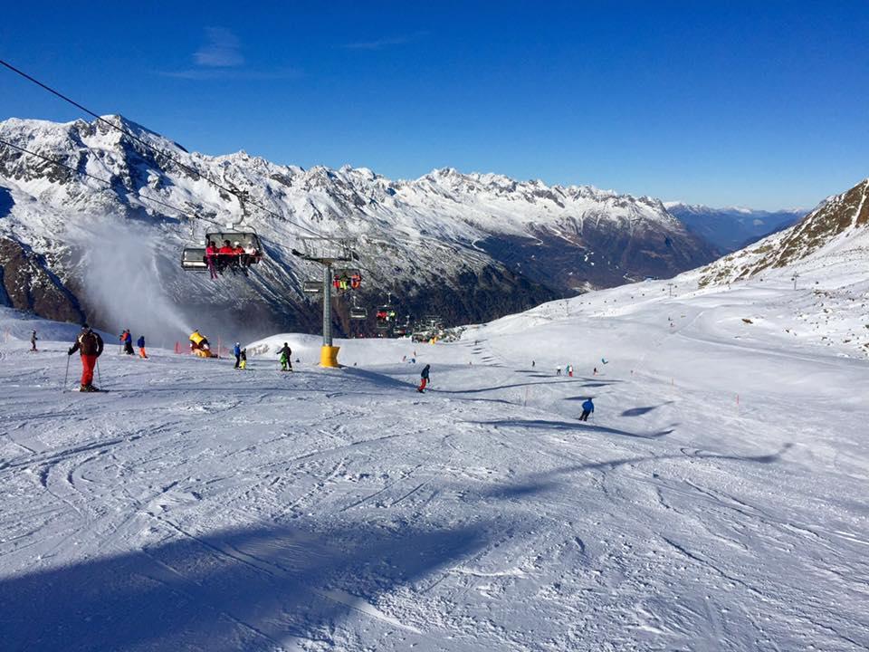 Obergurgl-Hochgurgl so svojou vysokou nadmorskou výškou nikdy nesklame milovníkov snehu