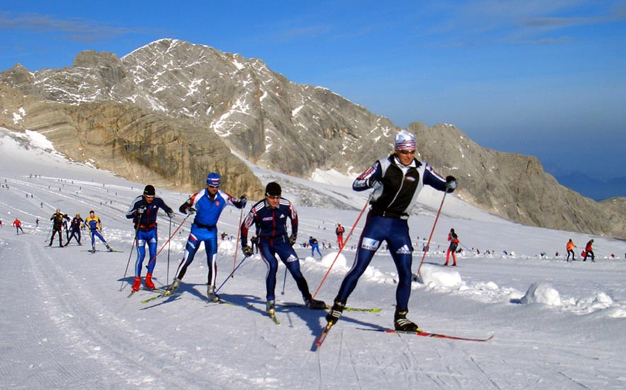 Letné lyžiarske stredisko na ľadovci Dachstein, Rakúsko