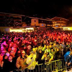 Veľkolepé party na oslavu začiatku lyžiarskej sezóny: Hviezdna účasť, veľa tanečnej hudby - ©Rave on snow