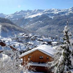 Pretty village of Meribel, 3 Vallees - © OT Meribel / J.M Gouedard