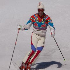 Retro skier - nothing has been left to chance - © Pdbreen