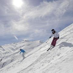 ski all mountain dynastar femmes - © Dynastar / Dan Ferrer