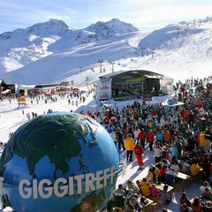 Jar na tirolských ľadovcoch: Sneh, slnko a podujatia