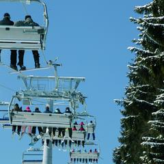 Skifahrer im Sessellift in Winterberg - ©Wintersport-Arena Sauerland