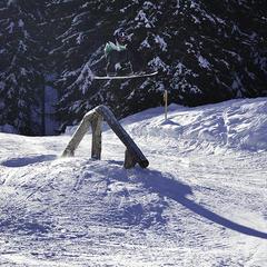 Burton Stash snowpark, Avoriaz.  - © Jerem Dunand