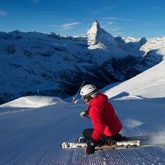 Prvá ranná stopa v stredisku Zermatt - ©Bergbahnen Zermatt