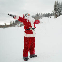 Santa visits Buttermilk Mountain - ©Jeremy Swanson