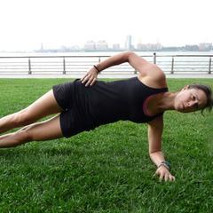 Side plank - © Danielle Shapiro