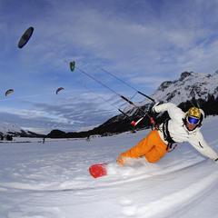 Snowkiting, czyli surfing na nartach lub desce – najlepsze miejscówki w Europie - ©Norbert Eisele-Hein
