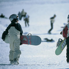 Young boarders in La Clusaz.  - ©La Clusaz