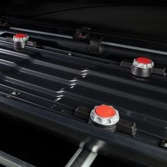 With 500 liters of cargo space, the Rhino-Rack RMFZ85 has enough interior room to carry up to eight pairs of skis or six snowboards.  - © Rhino-Rack
