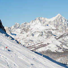 Big mountain skiing - ©Mammoth Lakes Tourism