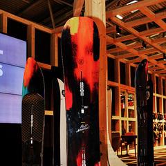 ISPO TRENDY 2014/15: Snowboardy a viazanie - ©Stefan Drexl