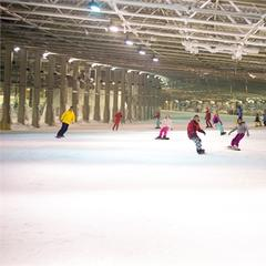 The UK's indoor skiing centres - ©SnowWorld