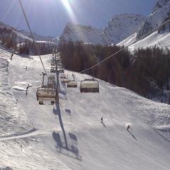 Skvělé podmínky v Dolomitech svádějí k jarnímu lyžování
