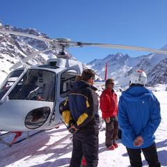 Pre-ski safety briefing - © Cindy Hirschfeld