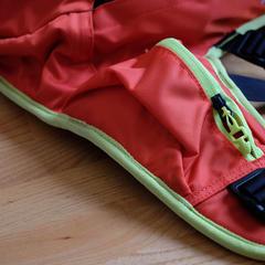 Kapsička na bederním pásu lavinového ruksaku Ortovox Base 20 - ©Skiinfo