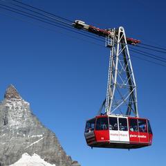 En route vers les sommets à bord du téléphérique de Zermatt Matterhorn - ©Matterhorn Paradise