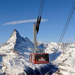 Covid-19: Väčšina švajčiarskych stredísk zatvorená, v niektorých sa lyžuje - ©Michael Portmann